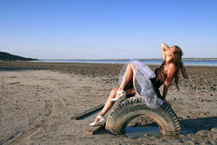 Meisje op het wiel Royalty-vrije Stock Afbeelding