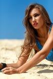 Meisje op het zand Royalty-vrije Stock Afbeeldingen