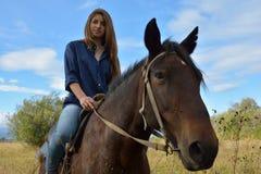 Meisje op horseback Royalty-vrije Stock Foto's