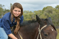 Meisje op horseback Royalty-vrije Stock Afbeeldingen