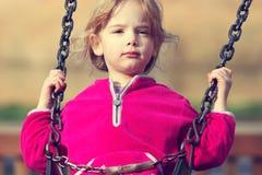 Meisje op schommeling Royalty-vrije Stock Fotografie