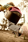 Meisje op schommeling, motieonduidelijk beeld Stock Afbeelding