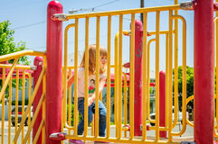 Meisje op Speelplaats stock afbeelding