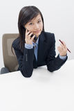 Meisje op telefoon Royalty-vrije Stock Afbeeldingen
