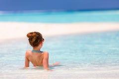 Meisje op vakantie stock foto's