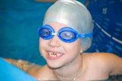 Meisje in pool Royalty-vrije Stock Fotografie