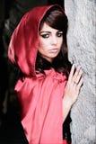 Meisje in rode kap Royalty-vrije Stock Afbeelding