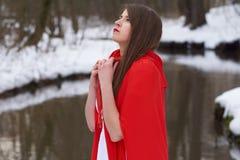 Meisje in rood Stock Fotografie