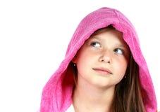 Meisje in roze kap Stock Foto
