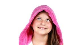 Meisje in roze kap Stock Afbeelding