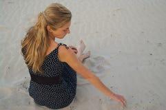 Meisje in sundress Royalty-vrije Stock Afbeeldingen