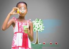 Meisje tegen grijze blazende bellen als achtergrond en boomtekening stock illustratie
