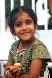 Meisje in traditioneel kostuum op eiland Mauritius Stock Afbeeldingen