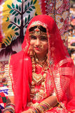 Meisje in traditionele kleding die aan Woestijnfestival deelnemen, Jaisal Royalty-vrije Stock Foto