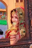Meisje in traditionele kleding die aan Woestijnfestival deelnemen, Jaisal Royalty-vrije Stock Fotografie