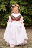 Meisje in traditionele Silezische kleding stock afbeelding