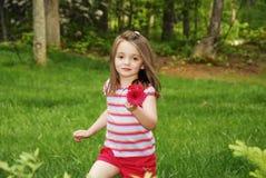 Meisje in Tuin stock foto