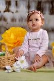 Meisje twee jaar oud in roze kleding Stock Fotografie