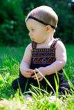 6 Meisje van de maand het Oude Baby in openlucht Royalty-vrije Stock Fotografie
