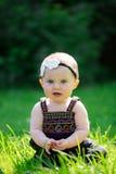 6 Meisje van de maand het Oude Baby in openlucht Royalty-vrije Stock Foto