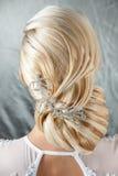 Meisje van het kapsel het mooie blonde royalty-vrije stock fotografie