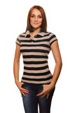 Meisje van het vrouwen het bruine haar in gestreepte vest en jeans Royalty-vrije Stock Afbeelding