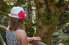 Meisje in vlindervallei Stock Foto's