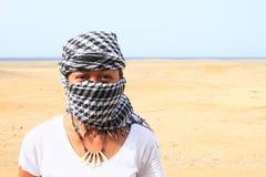 Meisje in woestijn royalty-vrije stock foto's