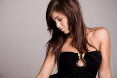 Meisje in zwarte kleding Royalty-vrije Stock Foto's