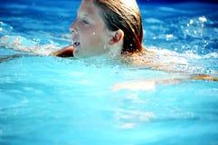 Meisje in zwembad Royalty-vrije Stock Foto