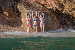 Meisjes bij het overzees Stock Foto's