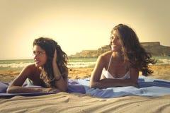 Meisjes bij het strand Royalty-vrije Stock Afbeelding