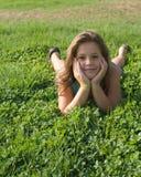 Meisjes die in het park spelen Royalty-vrije Stock Afbeelding