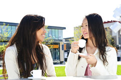 Meisjes die koffie hebben Royalty-vrije Stock Foto's