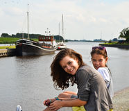 Meisjes die van vakantie genieten Royalty-vrije Stock Fotografie