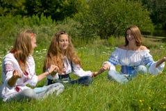 Meisjes die Vreugde voelen Royalty-vrije Stock Afbeeldingen