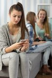 Meisjes door edele worden beslopen die Stock Afbeelding
