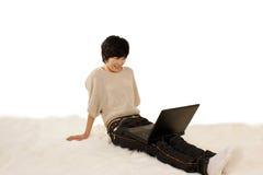 Meisjes en computer Royalty-vrije Stock Afbeelding