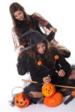 Meisjes in Halloween kostuum Stock Foto