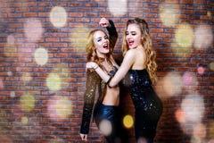 Meisjes het dansen Stock Afbeeldingen