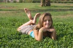 Meisjes in het park Stock Foto's