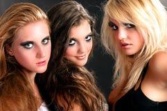 Meisjes klaar om voor de nacht uit te gaan Stock Foto's