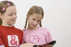 Meisjes/lezing stock foto's