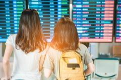 Meisjes in luchthaven Royalty-vrije Stock Foto's