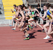 Meisjes op de 100 meters ras Stock Foto