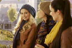 Meisjes samen in openlucht Royalty-vrije Stock Foto