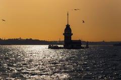 Meisjetoren in backlight van de zonsondergang, Istanboel Royalty-vrije Stock Foto