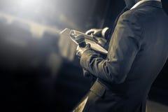 Meister von Zeremonien mit Mikrofon lizenzfreies stockbild
