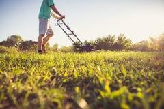 meja barn för gräsman fotografering för bildbyråer