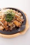 Mejillón frito con el brote de haba, comida tradicional tailandesa foto de archivo libre de regalías